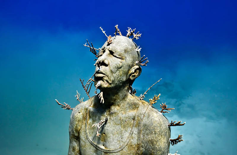 Sculpture at museum MUSA underwater