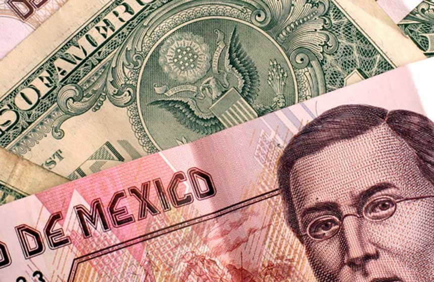 Dólar y billete de quinientos