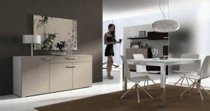 comedor blanco con muebles de madera