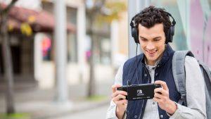 Persona jugando Nintendo